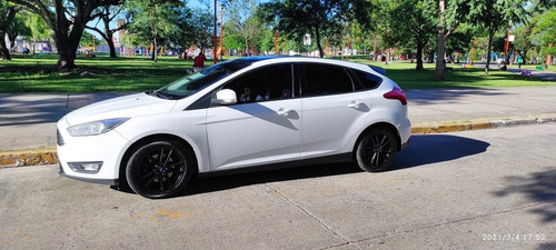 Ford Focus Version S, 1.6