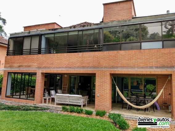 Casa 3 Niveles En Venta El Poblado Sector Los Balsos