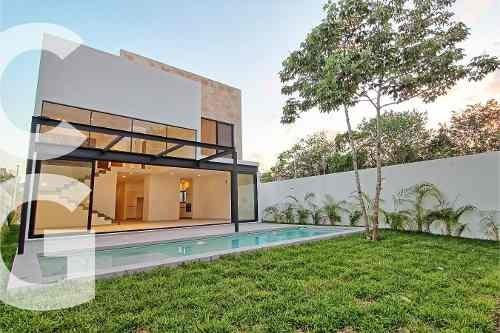 Casa En Renta En Cancun En Residencial Lagos Del Sol Con 4 R