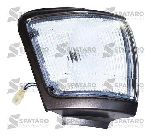 Faro De Posicion Derecho Toyota Hilux 2001-2004 5l Gris