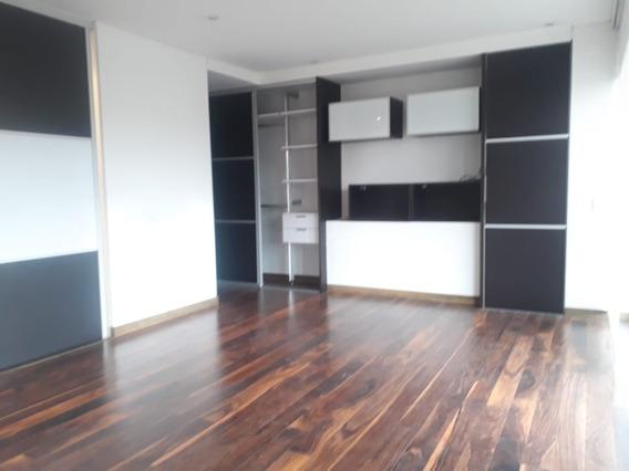 Apartamento En Arriendo Chico Navarra 28-5663