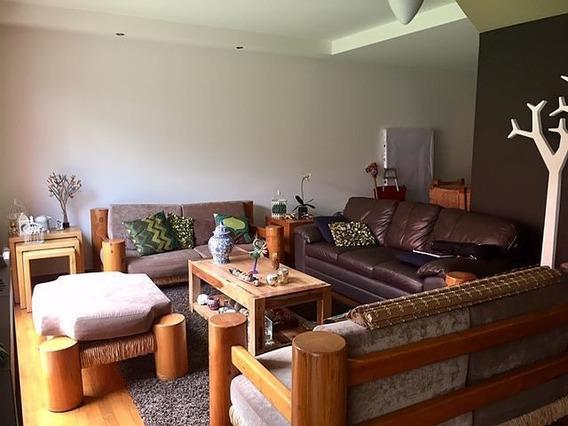 Las Águilas, Linda Casa En Condominio, En 3 Niveles Con Roof Garden