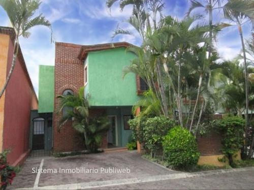 Casa En Venta En Amatitlan En Cuernavaca.