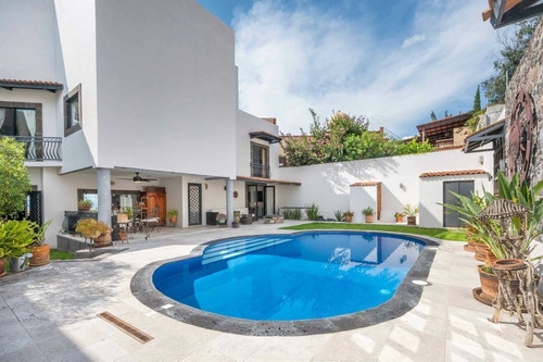 Imagen 1 de 30 de Casa Blanca En Venta, Col. Balcones En San Miguel De Allende