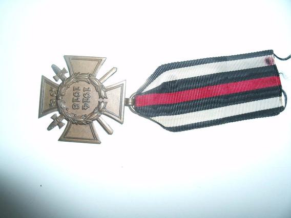 2 Medalhas. 1cruz De Ferro. 1cruz De Malta + Foto Do Soldado