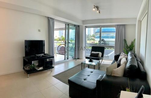 Comodo Apartamento De 3 Dormitorios En Torre De Nivel!- Ref: 2685
