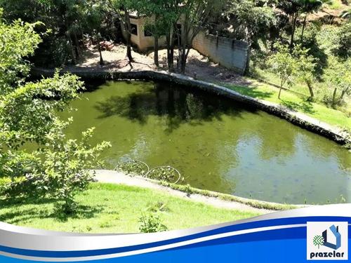 Chácara Com Lago Privativo.