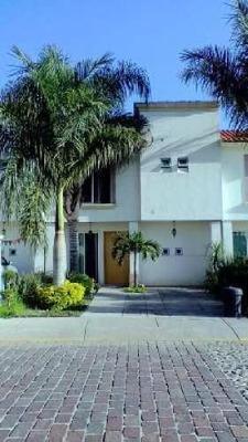 Casa En Condominio En En Cerrada Altamira, Irapuato, Guanajuato