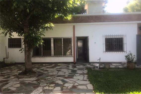Venta Casa Esquina Dos Habitaciones Quincho Parril