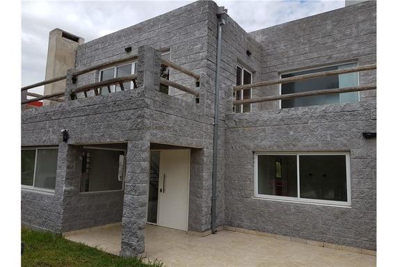 Casa 4 Amb. Con Pileta En B. Cardales Village