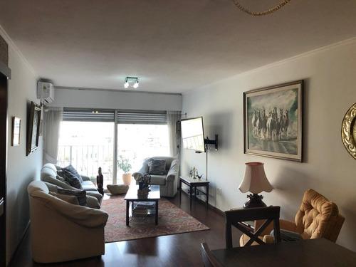 Hermoso Apartamento Sobre Av 18 De Julio!!