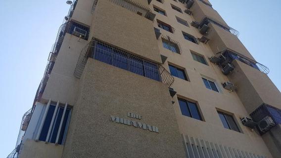 Apartamentos En Alquiler Of, Res. Miramar Valle Frio 20-3915