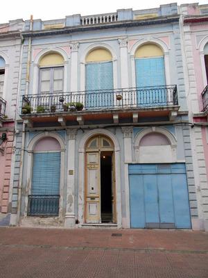Casa 4 Dormitorios La Comercial A 1 Cuadra De Arenal Grande