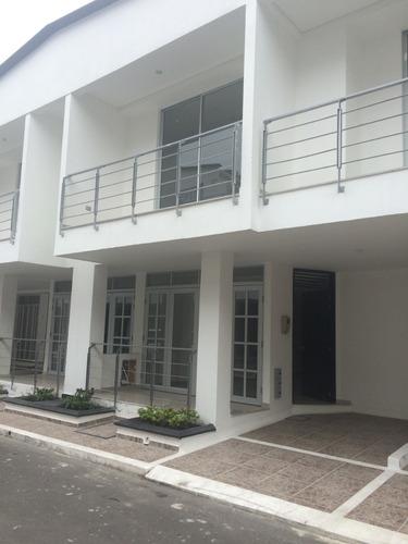 Casa Villavicencio Estrenar