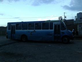 Autobuses De Personal Dos Puertas