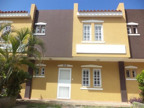 Townhouse En Venta Puerto Cabello 20-22249 Pjjl