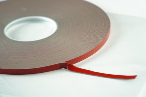 Imagen 1 de 5 de Adhesivo Acrilico Doble Cara De 9mmx33mts