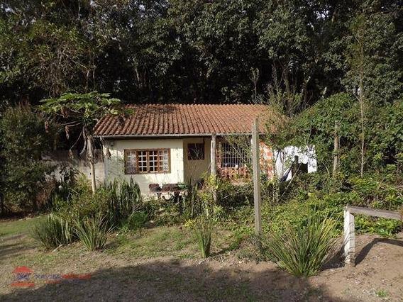 Linda Chácara Em Bairro Com Boa Localização - Ch0073