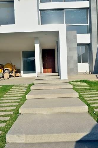 Ev1285-04.- En Venta Hermosa Casa Modernista Ubicada En Bosque Esmeralda