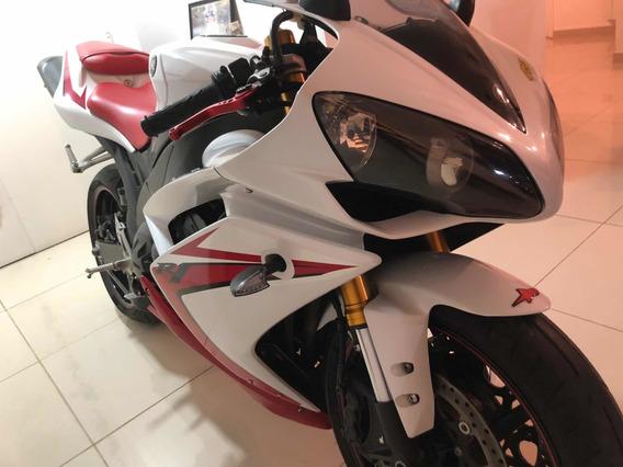Yamaha R1 Roja Y Blanca Como Nueva