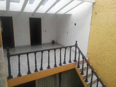 Casa Sola Col. Union Atras Del Palacio De Gobierno De Toluca