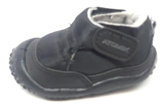 Zapatillas Bota Abrojo Atomik Negro Número 17. Abrigo Unisex