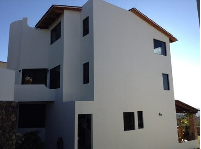 Hermosa Casa En Venta En Fraccionamiento Exclusivo Vista Real !!