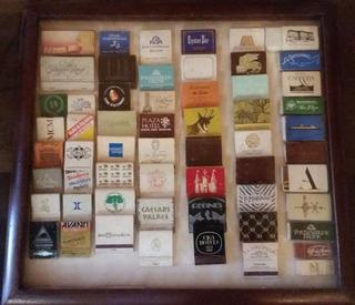 Coleção De 58 Caixas De Fósforo De Lugares Variados No Quadr