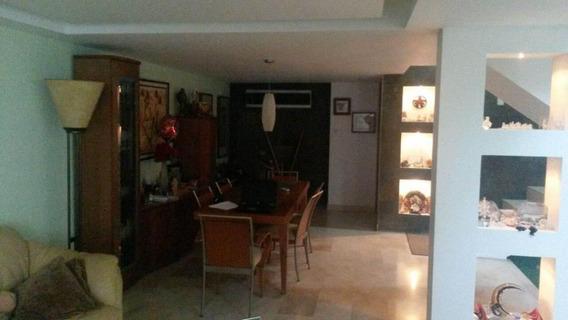 Mls #19-17213 Gaby Alquila Casa De 2 Plnantas En Delicias
