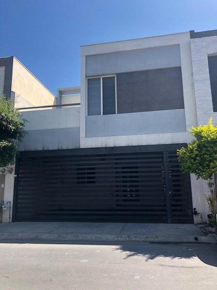 Casa En Venta En Residencial Puerta De Hierro, Cumbres