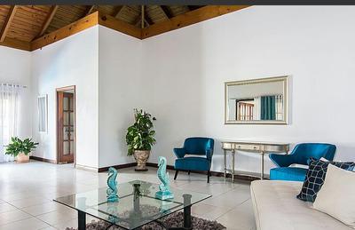 Hermosa Villa En Venta. Casa De Campo La Romana