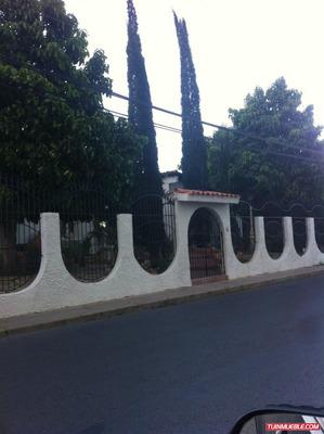 Casa En Venta. Av. Principal Las Palomas