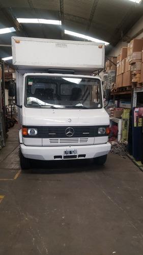 Mercedes Bez 710 710