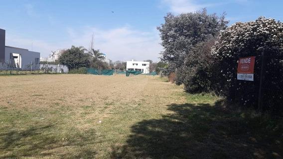 Terreno En Venta En Country San Isidro
