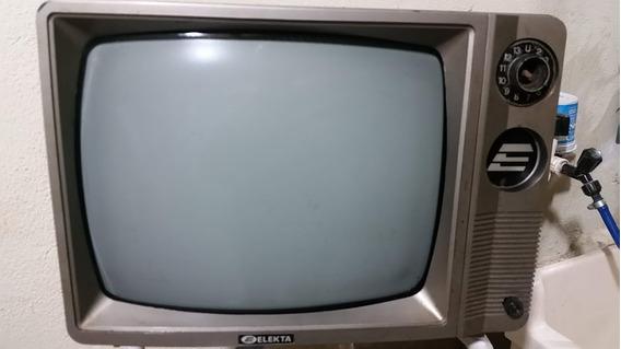 Tv Anos 80 Elektra 10 Polegadas Preto E Branco, Japão.