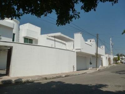 Casa En Venta - Paseo Del Llano, Villas De Irapuato.