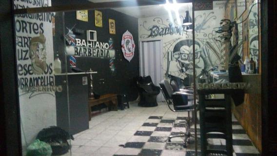 1 - Cadeira De Barbeiro 1 - Lavatório 1 - Banco De Esper