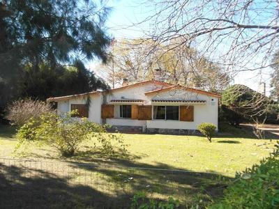Casa Grande Comoda, Campo, Muy Cerca De La Ciudad