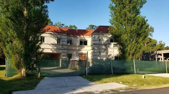 Casa Venta 5 Dormitorios -lote 1,315 Mts 2 Y 477 Mts 2 Cubiertos- Lomas Del City Bell