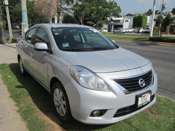 Nissan Versa Advance 1.6 Automatico 2014