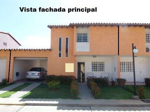 Town House Av. Circunvalacion Tierra Y Sol