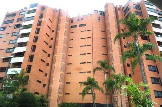 Apartamento En Alquiler, El Pedregal, Chacao. Mls 20-18052