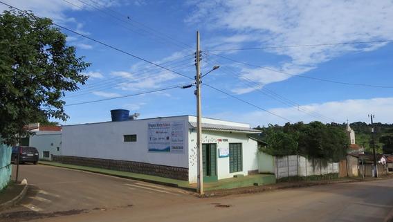 Casa Comercial Na Serra Da Canastra, Duas Lojas De Esquina