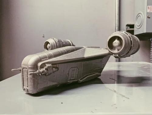 Imagem 1 de 2 de Star Wars - The Mandalorian Razor Crest 15cm - Impressão 3d
