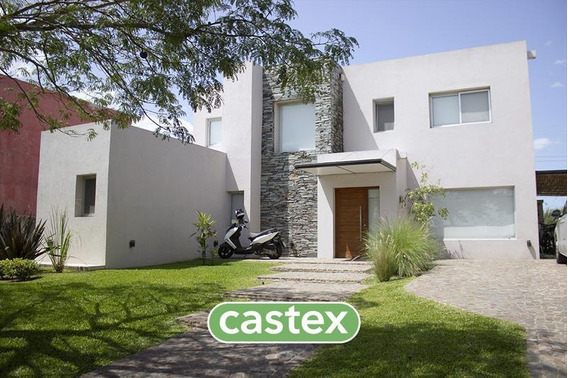 Casa En Venta En Los Lagos, Nordelta Con Piscina