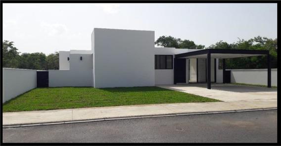 Casa De Un Nivel Con Amplio Terreno, Vigilancia