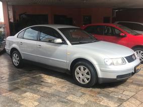 Volkswagen Passat 1.8 4p