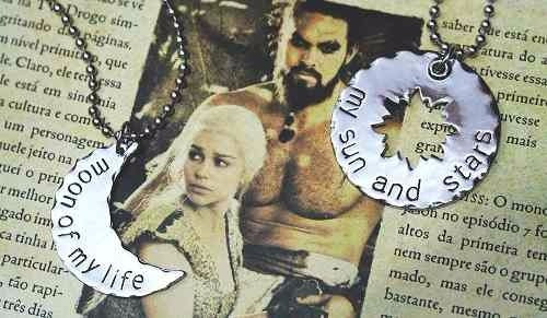 Kit Colar Duplo Casal Game Of Thrones Daenerys & Khal Drogo