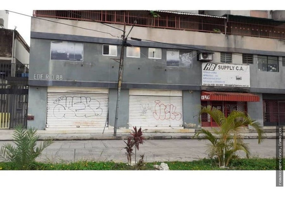 Local En Callejon Majay