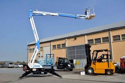 Plataforma Elevadora Articulado Sobre Oruga Spider. 13m